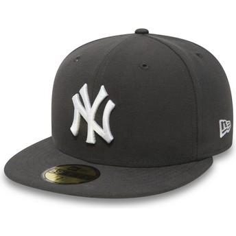 New Era Flat Brim 59FIFTY Essential New York Yankees MLB Stone Fitted Cap grau