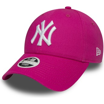 New Era Curved Brim 9FORTY Essential New York Yankees MLB Adjustable Cap pink