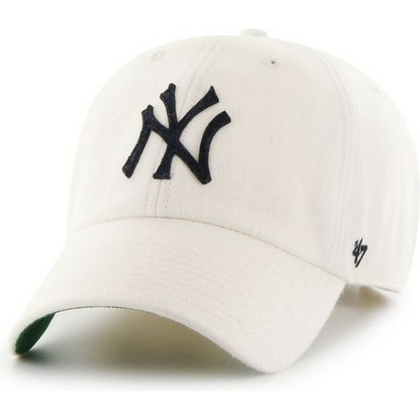 casquette-courbee-blanche-avec-logo-noir-creme-new-york-yankees-mlb-clean-up-47-brand