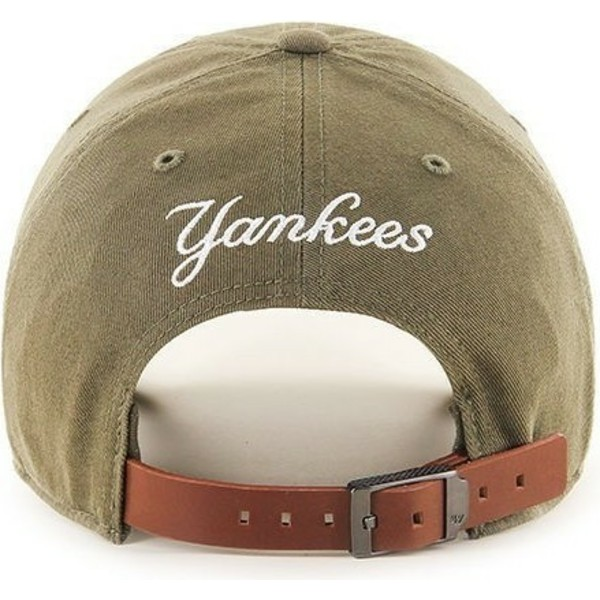 casquette-courbee-marron-avec-petit-logo-new-york-yankees-mlb-clean-up-47-brand
